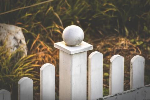 Köp stolphattar & stolplock på HORNBACH