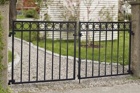 Köp staket- & grindbeslag på HORNBACH
