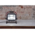 Strålkastare LUCECO LED Worklight 3000lm 5000K neutralvitt IP65 med strömbrytare svart/röd